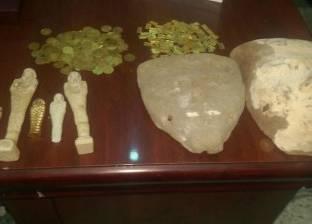 شرطة السياحة تحبط بيع 4500 قطعة أثرية و3 تماثيل في الأقصر