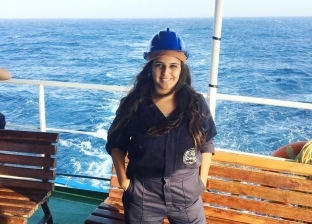 """""""دنيا"""" تحقق حلمها كمهندسة بحرية بـ""""غواصة آلية"""" تعمل بالريموت"""