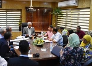 محافظ أسوان يعقد اجتماعا لتنفيذ أعمال مياه الشرب والصرف الصحي