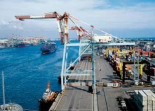 33 ألف طن فوسفات تغادر ميناء سفاجا إلى جدة