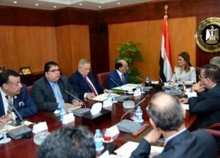 وزيرا التعاون الدولي والعدل يبحثان قوانين تشجيع الاستثمار