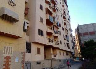 قصة سقوط طفلة من الطابق الثالث بالإسكندرية: الأم تركتها بمفردها لصلاة العيد