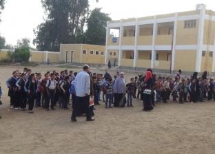 """أول طابور صباح في مدرسة """"التلميذ المتوفي"""": بكاء زملائه.. وحضور ضعيف"""