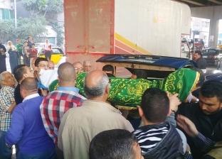 صور| تشييع جثمان الفنان إسماعيل محمود بالإسكندرية بحضور محمود حميدة