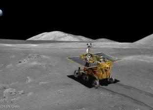 """شبيه بالإنسان.. """"روبوت"""" يتولى قيادة """"عربة"""" على سطح القمر 2028"""