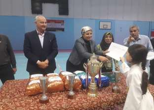 بالصور| توزيع الجوائز على الفائزين بدورة الأحياء الشعبية في كفر الشيخ