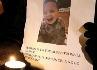 مكالمة هاتفية تكشف جريمة قتل طفل على يد صديق أمه.. الأم تسترت عليه