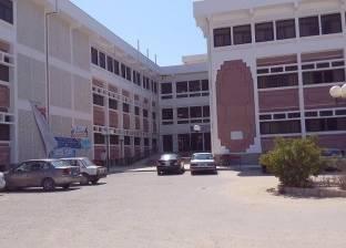 انطلاق امتحانات التخلفات بكلية التجارة في جامعة العريش