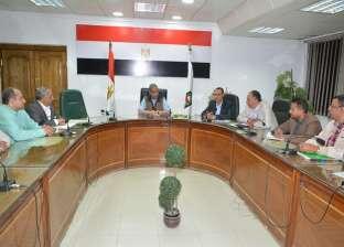 الأنصاري يعقد اجتماعا مع مقاولي الشركات المسؤولة عن تطوير المستشفيات