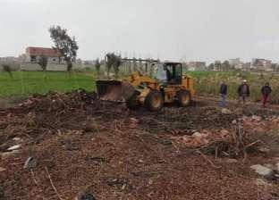 بالصور| حملة مكبرة لإزالة التعديات على الأراضي الزراعية في فارسكور