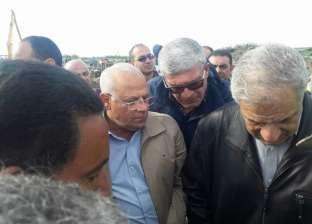 إبراهيم محلب ومحافظ بورسعيد يتفقدان محور 30 يونيو