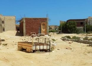 بالمستندات| قرية تستولي على شاطئ بمطروح.. والمحافظة تنذرهم منذ عامين