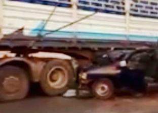 إصابة ملازم ومجند في حادث تصادم سيارة شرطة بشاحنة نقل في أسوان