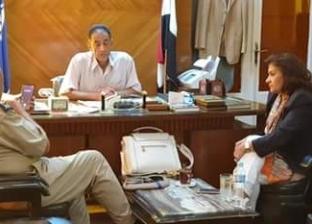 """نائبة برلمانية تطالب بمد خط سير السرفيس لخدمة أهالي """"دمياط للأثاث"""""""