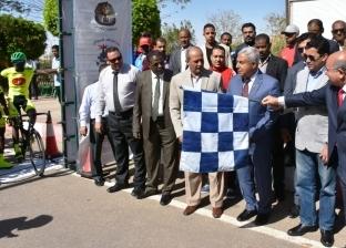 بالصور| صبحي يعطي إشارة انطلاق ماراثون مصر الدولي للدراجات