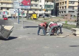 """بالصور"""" تركيب أغطية المطابق المفقودة بوسط الإسكندرية"""