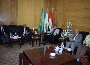 رئيس جامعة بنها يستقبل عميد كلية الطب بالجامعة الهاشمية في الأردن