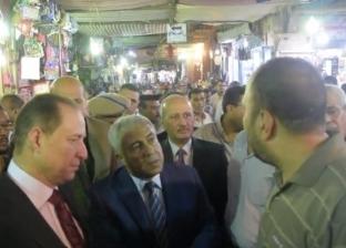 محافظ أسوان يشدد على رؤساء المدن والمراكز بضرورة التواجد فى الشارع