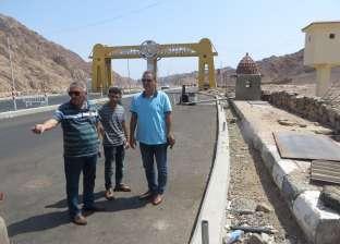 تركيب 70 عمود لإنارة الطرق الرئيسية بمدينة دهب