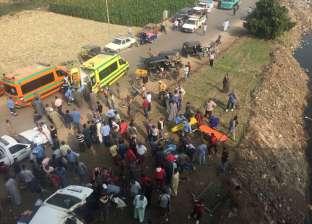بالصور| سقوط سيارتين في ترعة المريوطية من أعلى المحور.. ووقوع ضحايا
