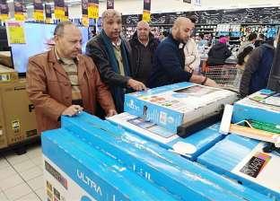 ضبط 331 جهازا منزليا مجهول المصدر بأحد فروع سلسلة تجارية في الإسكندرية