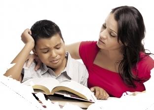 مذاكرة فى الإجازة بأمر الأمهات.. والطب النفسى: النتيجة عكسية