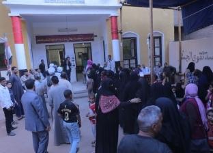 الدفع بـ100 أوتوبيس لنقل المواطنين للجان الاستفتاء بالمنشاه في سوهاج