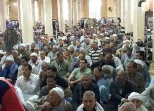 آلاف المواطنين يؤدون صلاة الجمعة الافتتاحية لمولد إبراهيم الدسوقي