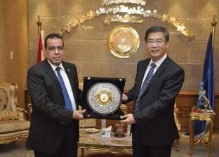 رئيس جامعة القناة يلتقي نظيره بجامعة دونج خوا الصينية لبحث سبل التعاون