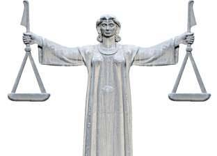 العدالة البطيئة.. «فقر» الإمكانيات يخنق حلم المواطنين بالعدالة