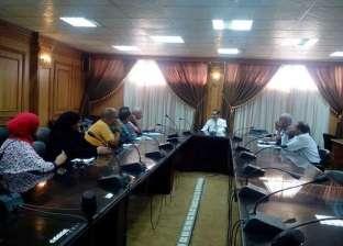 """نائب رئيس جامعة قناة السويس يطالب """"رعاية الشباب"""" بالاستعداد لاستقبال الطلاب الجدد"""