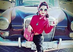 جلسة تصوير بملابس الستينيات: السندريلا وصلت