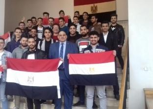 المصريون بالبحرين يدلون بأصواتهم في ثاني أيام الاستفتاء