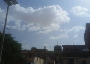 بالصور| لليوم الثاني.. الغيوم تخيم على سماء مدينة أسوان