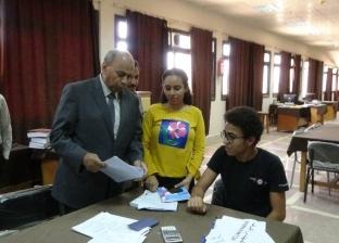 رئيس جامعة المنيا يتفقد الامتحانات بكلية الهندسة
