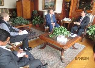 وزير الري يلتقي وفد مركز البحوث الدولية للأراضي الجافة لبحث التعاون