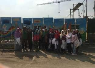 طلاب جامعة المنيا يقفون حداد على أرواح شهداء الواحات أمام مستشفي 57357