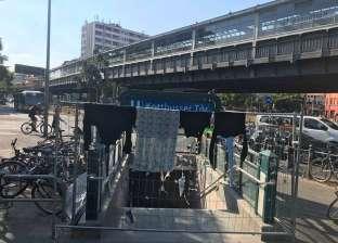 بعد ارتفاع الحرارة.. ألمان ينشرون ملابسهم على أسوار الشوارع في برلين