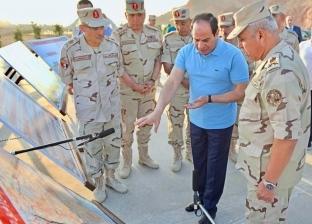 بالصور| الرئيس السيسي يتفقد الأعمال الإنشائية لطريق «النفق- شرم الشيخ»