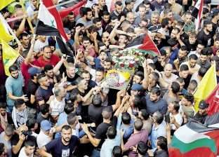 """الآلاف يشيعون جثمان طفل """"الجلزون"""" في رام الله"""