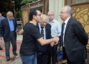 """أحمد حلمي و وشيرين ونجوم """"الفن في عزاء حرم الفنان رشوان توفيق"""""""