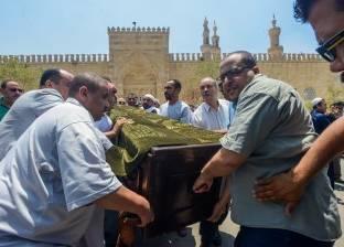 طلاب وعلماء الأزهر يؤدون صلاة جنازة الشيخ محمود عاشور