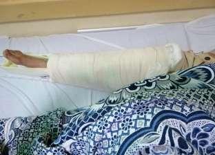 بالصور| «عجل» يرفس طبيب بيطري ويصيبه بكسر مضاعف أثناء تحصينه بالفيوم