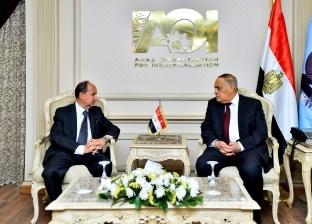 """وزير التجارة: نساند """"العربية للتصنيع"""" لتصدير منتجاتها للخارج"""