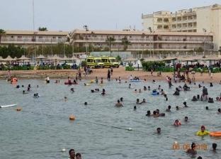 توافد المواطنين على شواطئ البحر الأحمر في ثاني أيام عيد الفطر