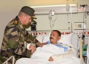 وزير الدفاع يزور عددا من المستشفيات العسكرية للاطمئنان على المصابين