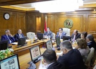 عبد الغفار يجتمع مع رؤساء مجالس أمناء الجامعات الخاصة والأهلية