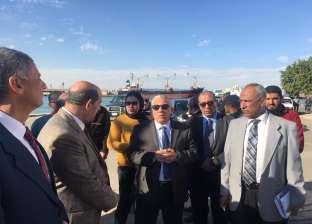 """جولة ميدانية لرئيس هيئة """"البحر الأحمر"""" بموانئ السويس والزيتيات"""