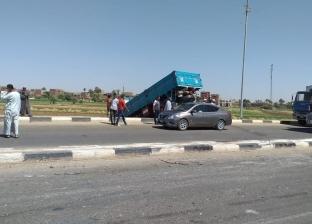إصابة 11 شخصا إثر انقلاب سيارة ربع نقل في الشرقية