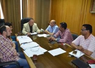 استعراض الموقف التنفيذي لتطوير مركز شباب شهداء العبور بالإسماعيلية